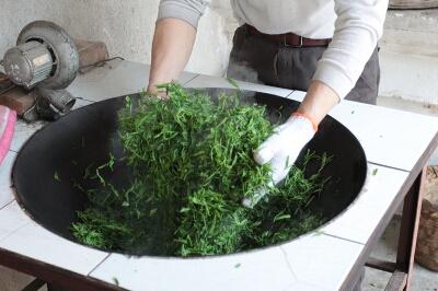 Прожарка зеленого чая «Би ло Чунь»